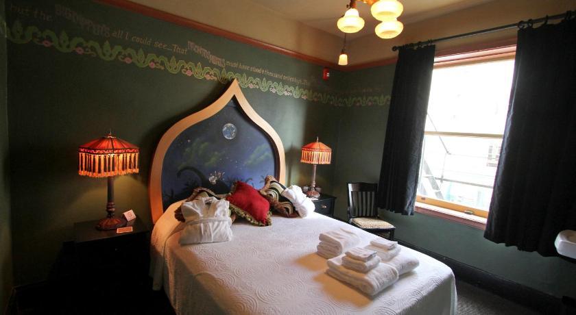 Mcmenamins Crystal Hotel In Portland