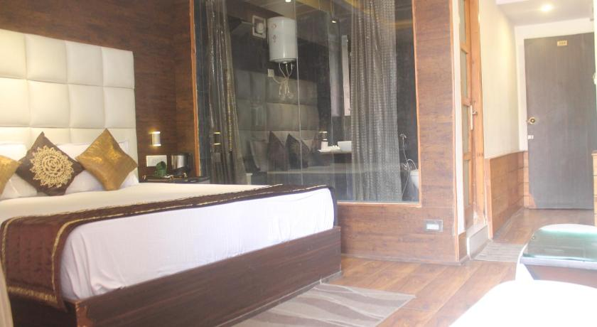 Luxurious Rooms in Shimla
