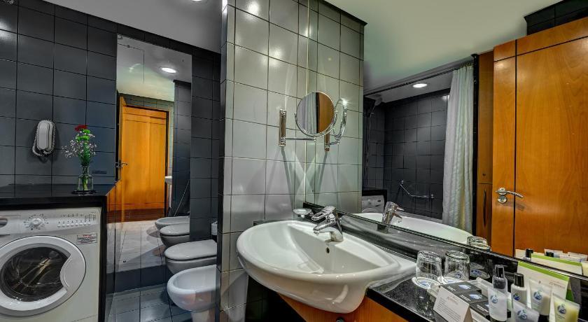 J5 Hotels Port Saeed Formerly Rihab Rotana Dubai Al Garhoud
