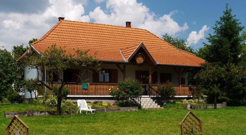 Best time to travel Hungary Németh Pincészet