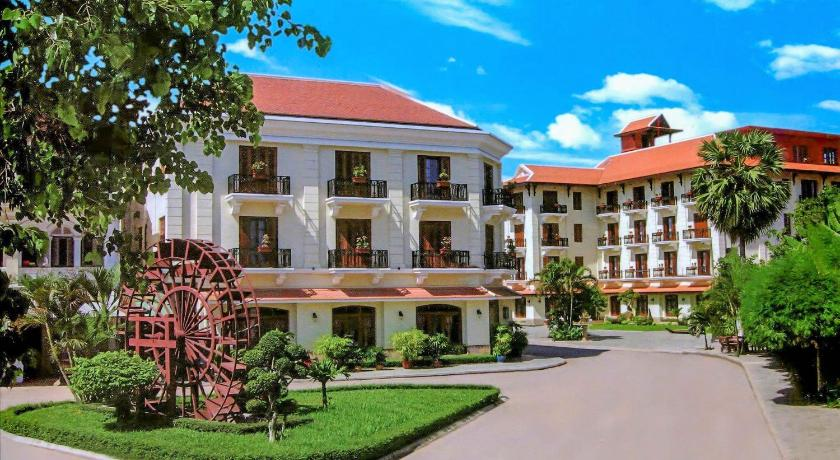 Best time to travel Angkor Steung Siemreap Hotel