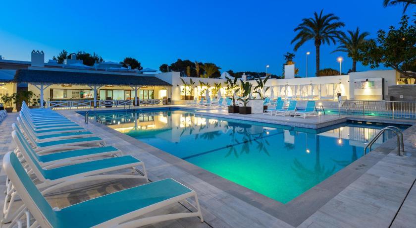Best time to travel Formentera Hotel Playasol Cala Tarida