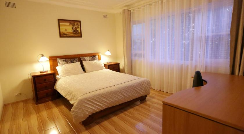 Best time to travel Sydney Convenient, Bright and Affordable 2 Bedroom Unit