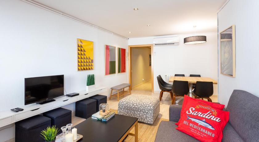 Best time to travel Barcelona Oxis Apartments - Aribau Centro 1