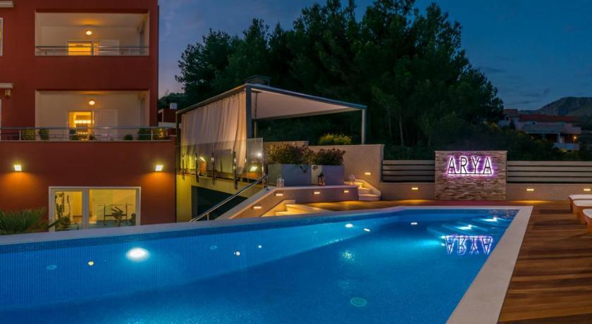 Villa Arya with heated swimming pool, roof hot tub, sauna ...