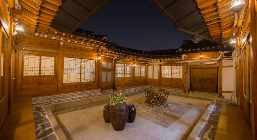 Best time to travel Seoul STAY256 Hanok Guest house