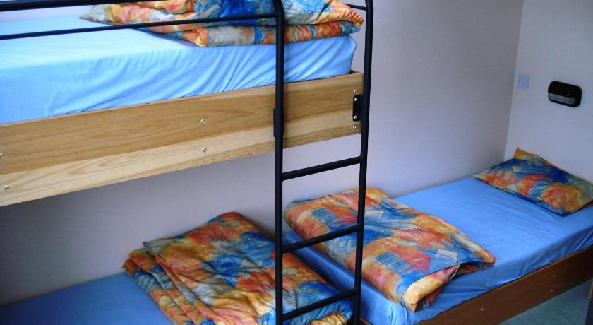 Bed in 6-Bed Female Dormitory Room Errigal Youth Hostel