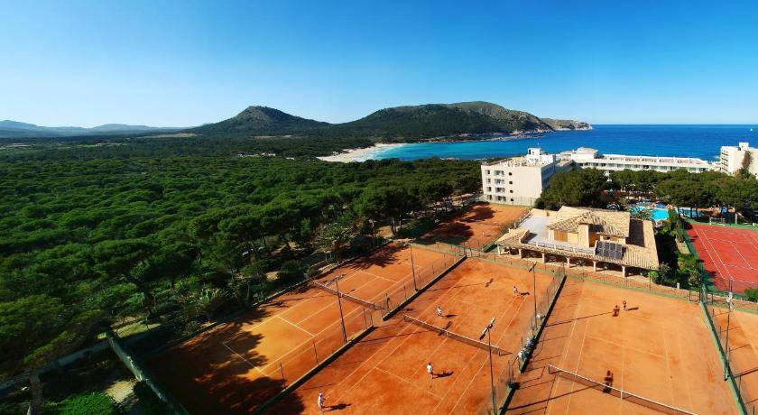 Best time to travel Menorca Hotel & Spa S'Entrador Playa