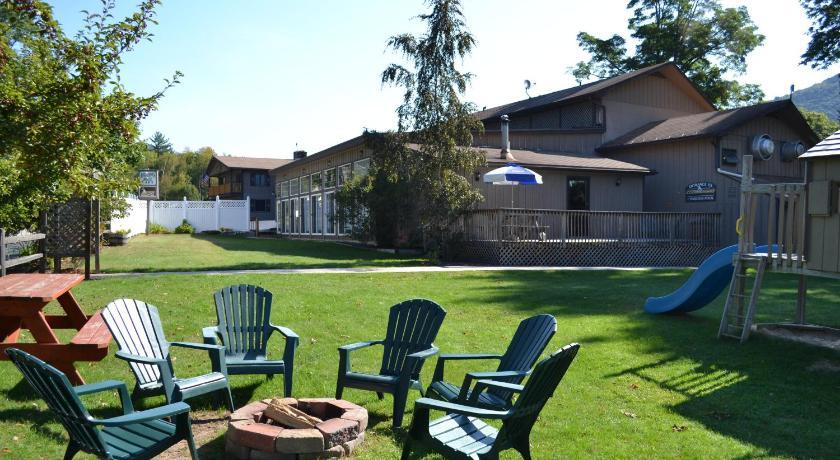 Best time to travel United States Kancamagus Lodge