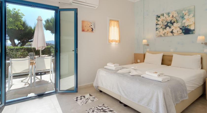Estudio con vistas laterales al mar (2 adultos) Pyrgos Beach Hotel Apartments