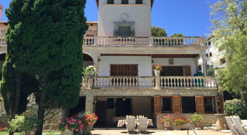 Best time to travel Spain Villa Son Armadans