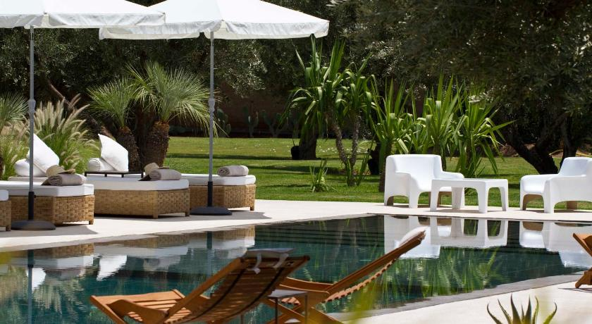 Best time to travel Morocco Hotel Les Cinq Djellabas