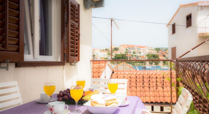 Best time to travel Croatia Apartment Ana