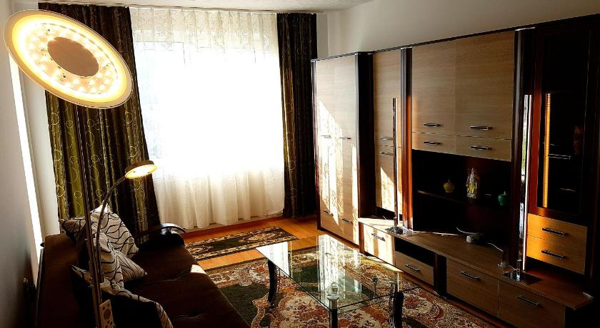Brasov Main Street Apartment Preview listing