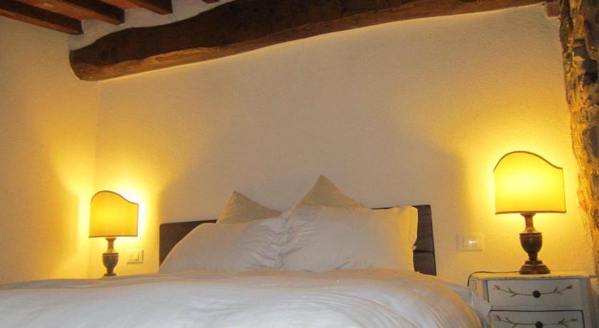 Best time to travel Italy Castello di Civitella