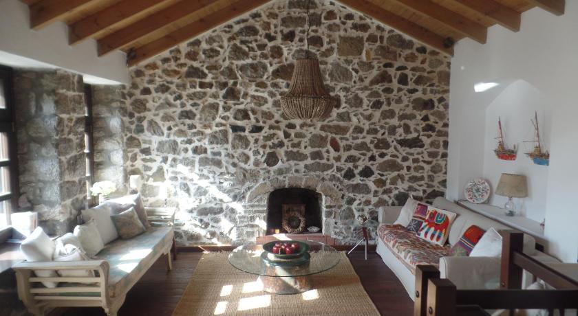 The Fig Tree House Samothraki Booking Deals Photos Reviews
