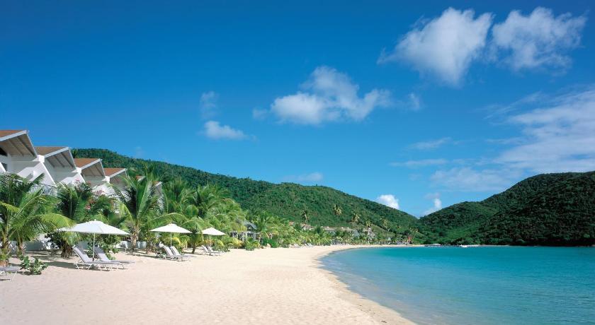 Best time to travel Antigua Carlisle Bay