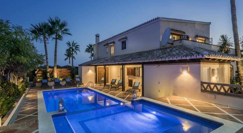 Bed & breakfast The Residence by the Beach House Marbella