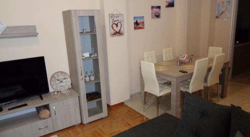 Best time to travel Vyronas Athens modern home / Pagrati / Kallimarmaro