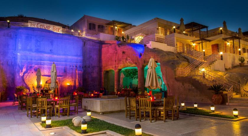Best time to travel Jordan Petra Guest House Hotel