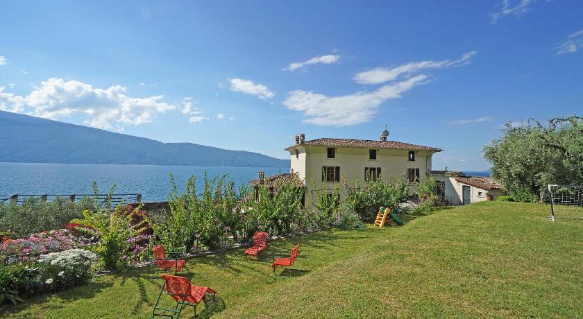 Villa San Giacomo Exclusive Lakefront