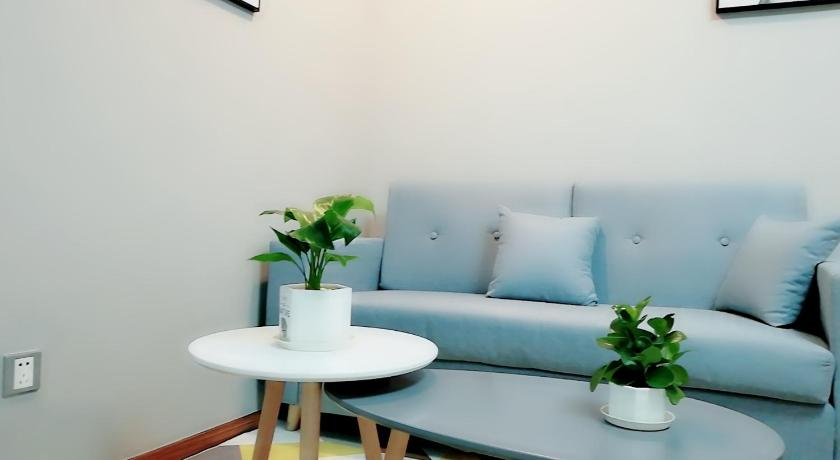 Simple Futon Bed Apartment In Shenzhen