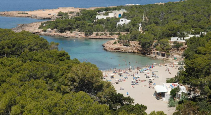 Best time to travel Ibiza Fiesta Hotel Cala Gració- All Inclusive