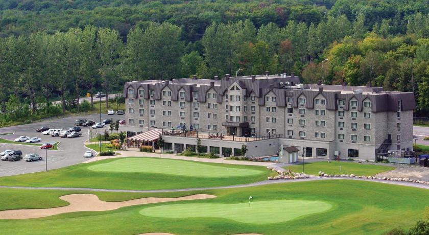 Best time to travel Canada DoubleTree by Hilton Quebec Resort