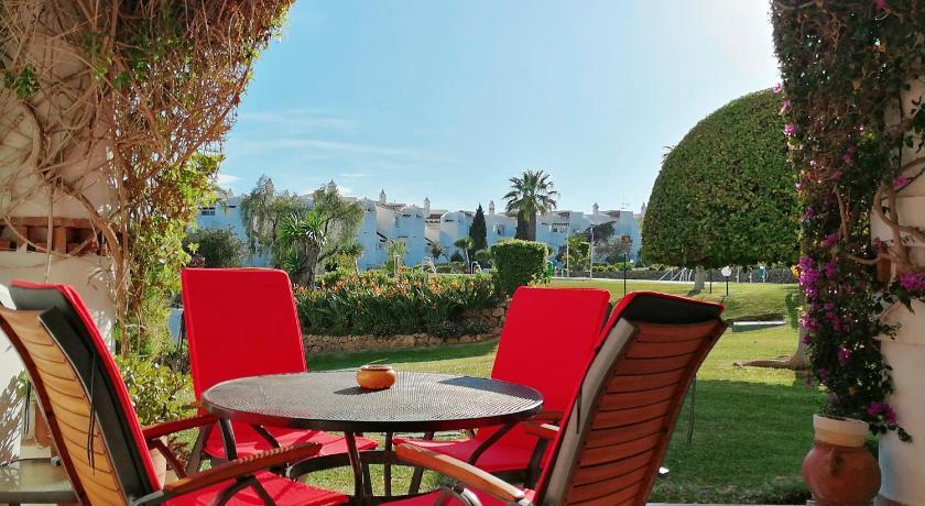 Best time to travel Costa del Sol Calahonda Luxury Gardens