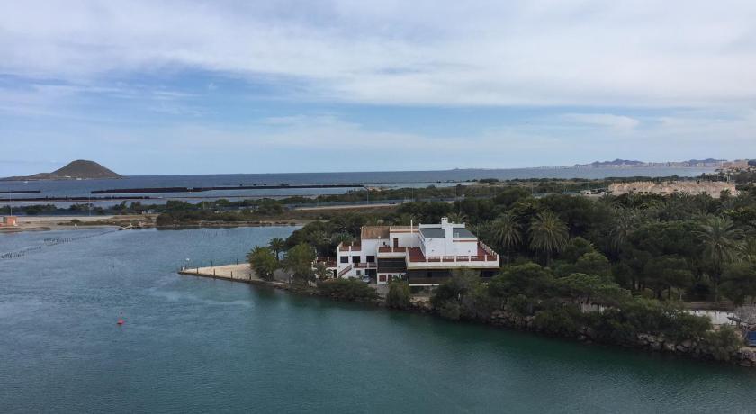 Piscina Con Jacuzzi.Puerto Mar Piscina Con Jacuzzi Gran Via De La Manga