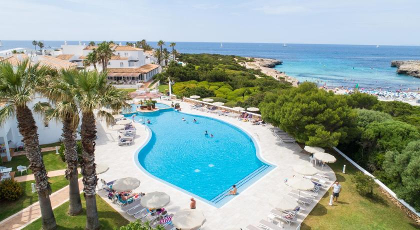 Best time to travel Menorca Grupotel Aldea Cala'n Bosch