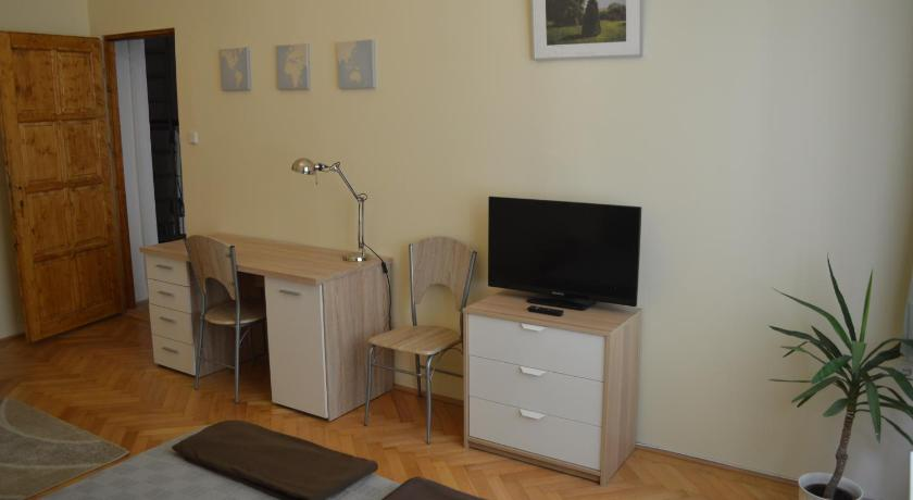Best time to travel Budapest VIII. kerület Danube Private Rooms