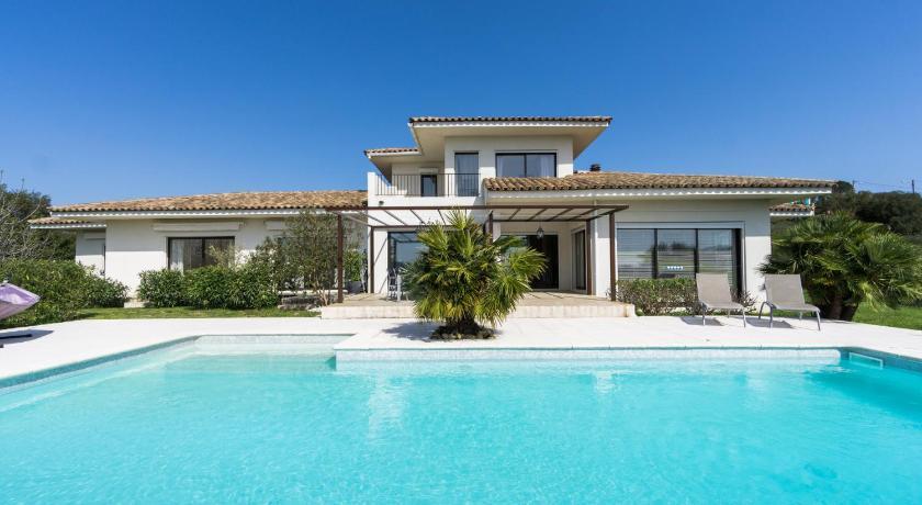 Villa Contemporaine Avec Piscine Theoule Sur Mer Booking