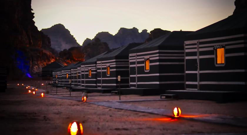 Meer over Space Village Luxury Camp