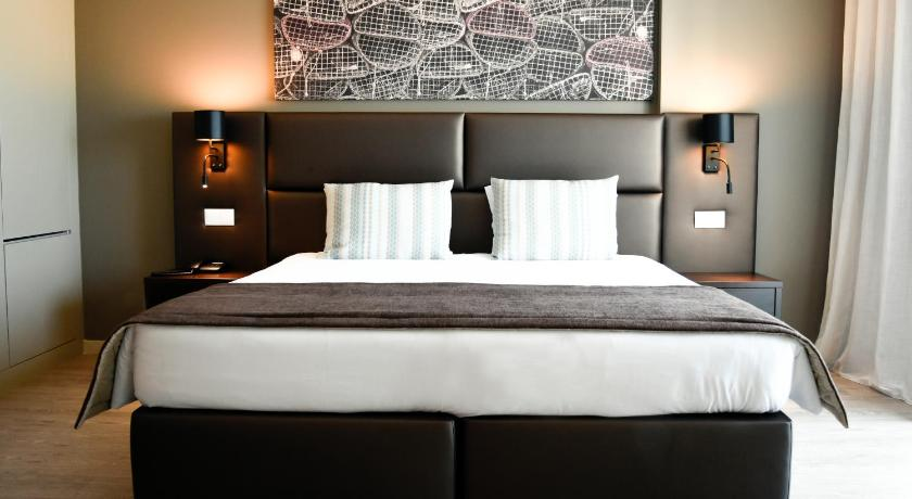 Best time to travel Portugal Maria Nova Lounge Hotel - Adults Only