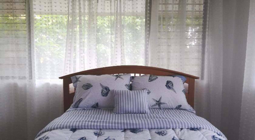 Best time to travel Honolulu * Private Unit, Beautiful Views, Free Parking *
