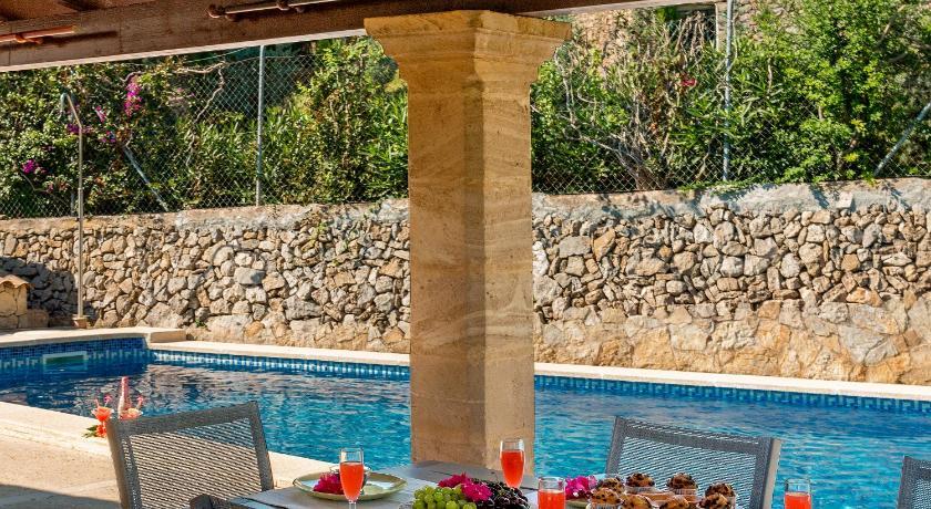 Best time to travel Alcúdia Villa Malva