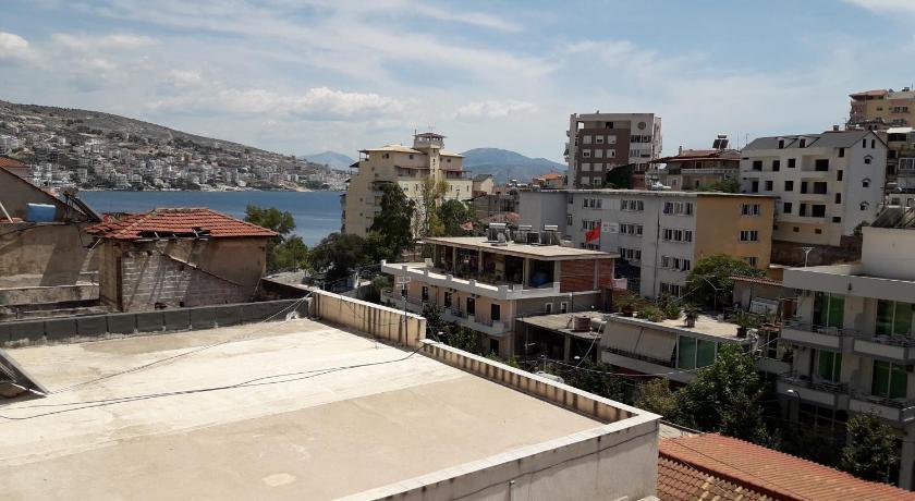 Niko Apartments