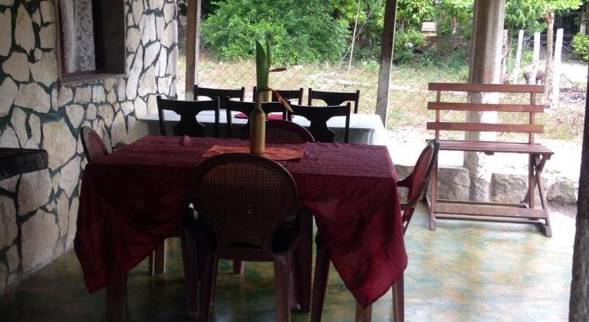 Best time to travel Guatemala Mi rancho hospedaje bar