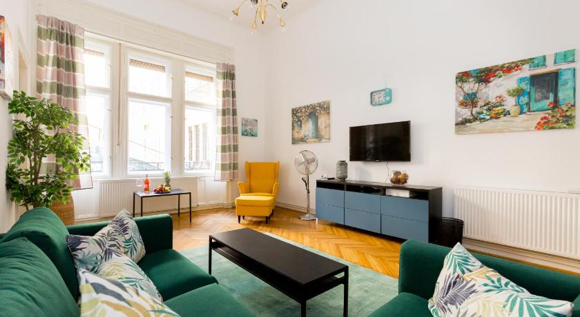 Best time to travel Budapest MAGNIFICENT apartment in the centre of Budapest