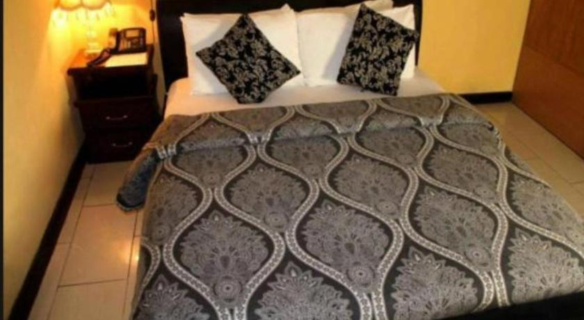 Best time to travel Nigeria Titie Hotels