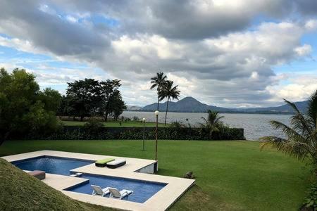 Best time to travel Guatemala Casa ZARATHUSTRA