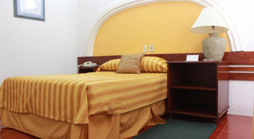 Budget Double Room Hotel Antillano