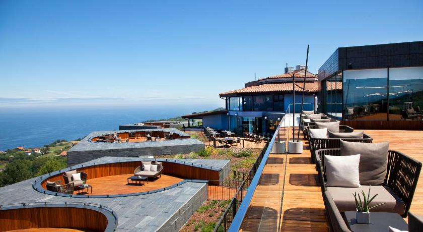 Best time to travel San Sebastián Akelarre - Relais & Châteaux