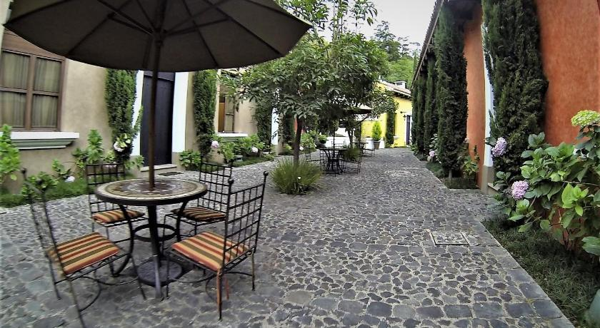 Best time to travel Guatemala Antigua Villa AN019