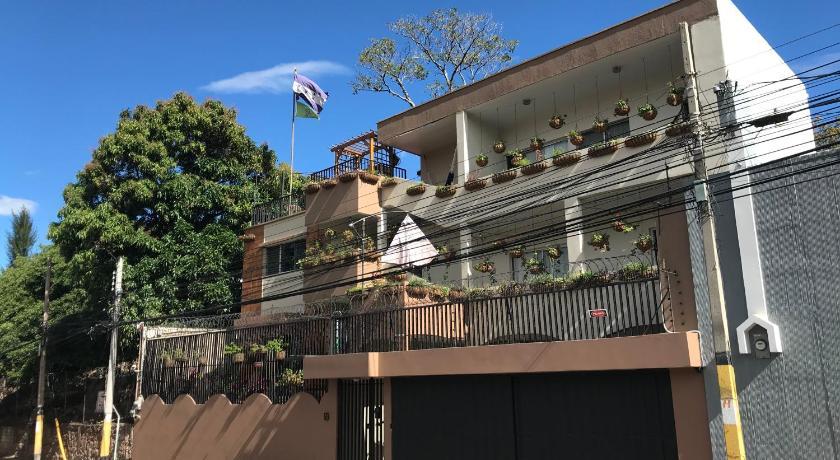 Best time to travel Honduras Palmira Hostel