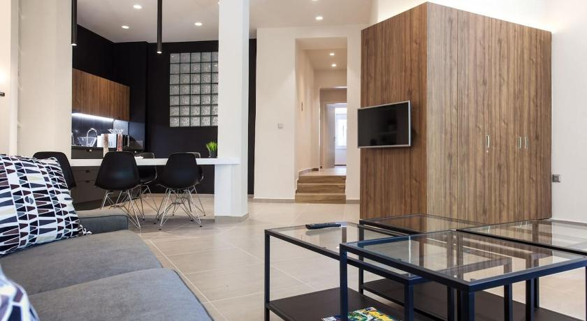 Best time to travel Athens TONI'S Choice to stay in Athens, 2BD Modern House
