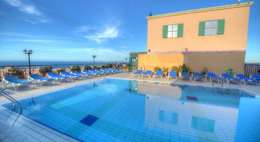 Best time to travel Valletta Golden Tulip Vivaldi Hotel