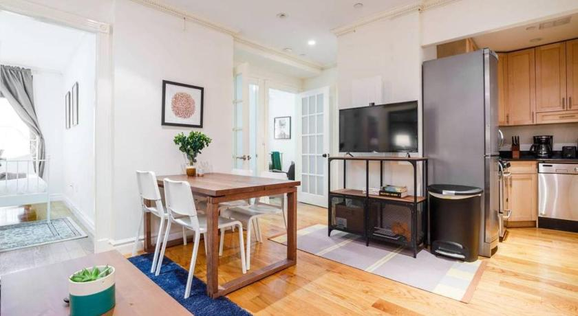 Best time to travel New York City Authentic NYC 3BR Abode on Best Block!! Sleeps 10