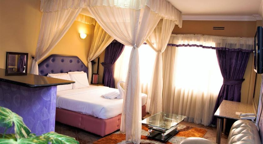 Best time to travel Nairobi Bienvenue Delta Hotel